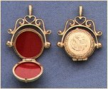 swivel_locket.jpg (7512 bytes)